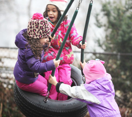 girls_tire_swing